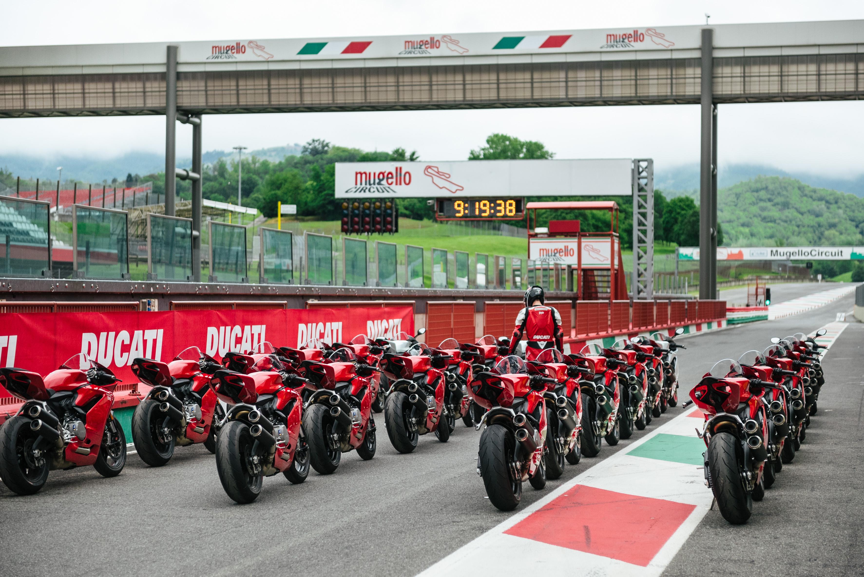 Novos cursos e experiências com a Ducati Riding Academy
