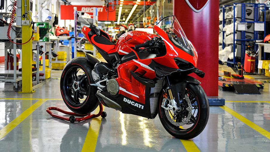 A Ducati inicia a produção da Superleggera V4
