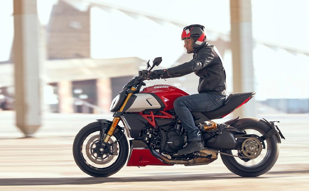 4 anos de garantia oficial em todas as Ducati e Ducati Scrambler
